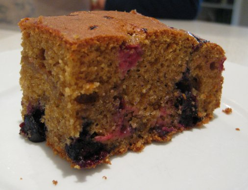 Amaranth Berry Cake